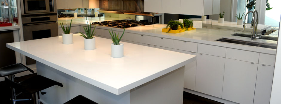 blizzard-caeserstone-kitchen-with-custom-mitered-edge